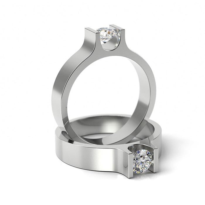 Zásnubný prsteň s diamantom ZP 305